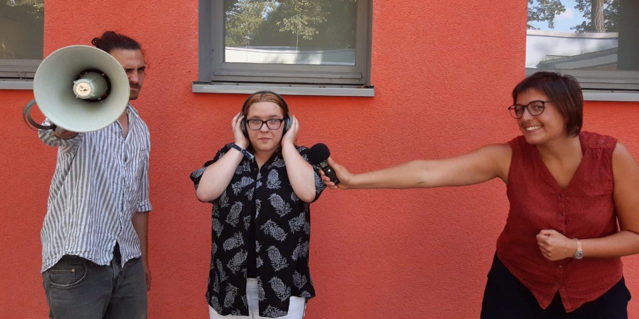 """KiJuB-Podcast """"MISCH MIT"""" macht Kinder laut"""