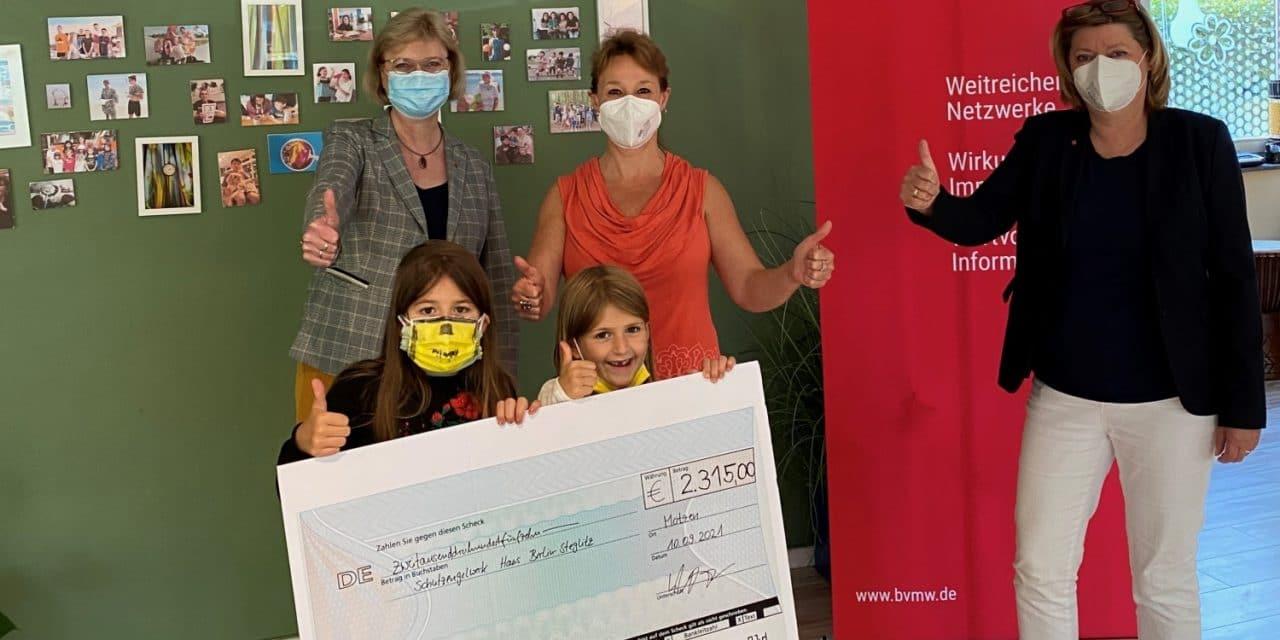 Spendenübergabe an das SchutzengelWerk