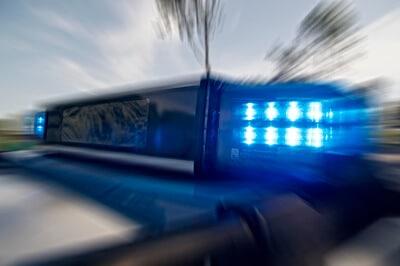 Tankstelle in Lichterfelde überfallen – Angestellte mit Waffe bedroht