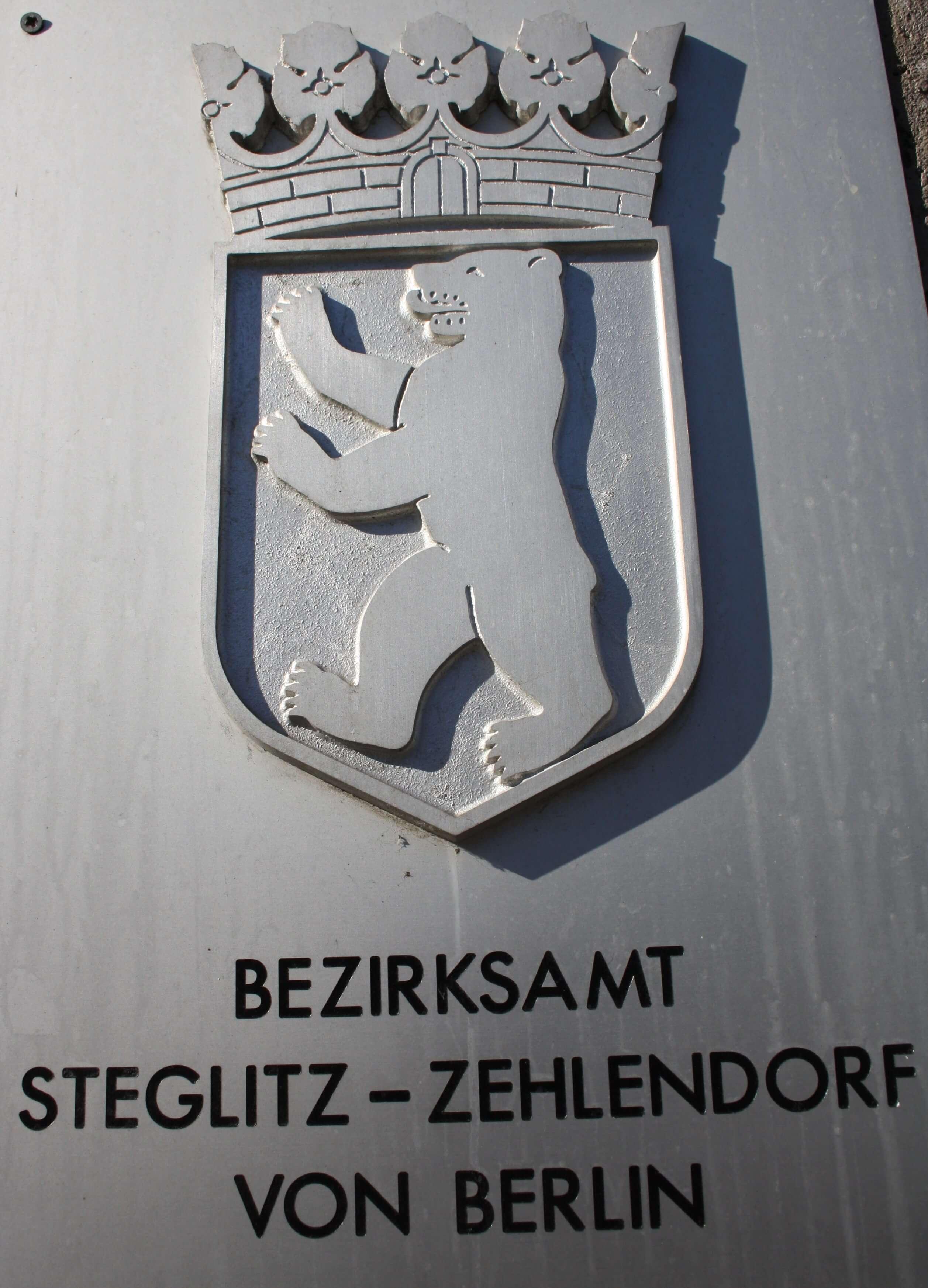 Bezirksamt Steglitz-Zehlendorf distanziert sich von polnischer Partnerstadt Poniatowa