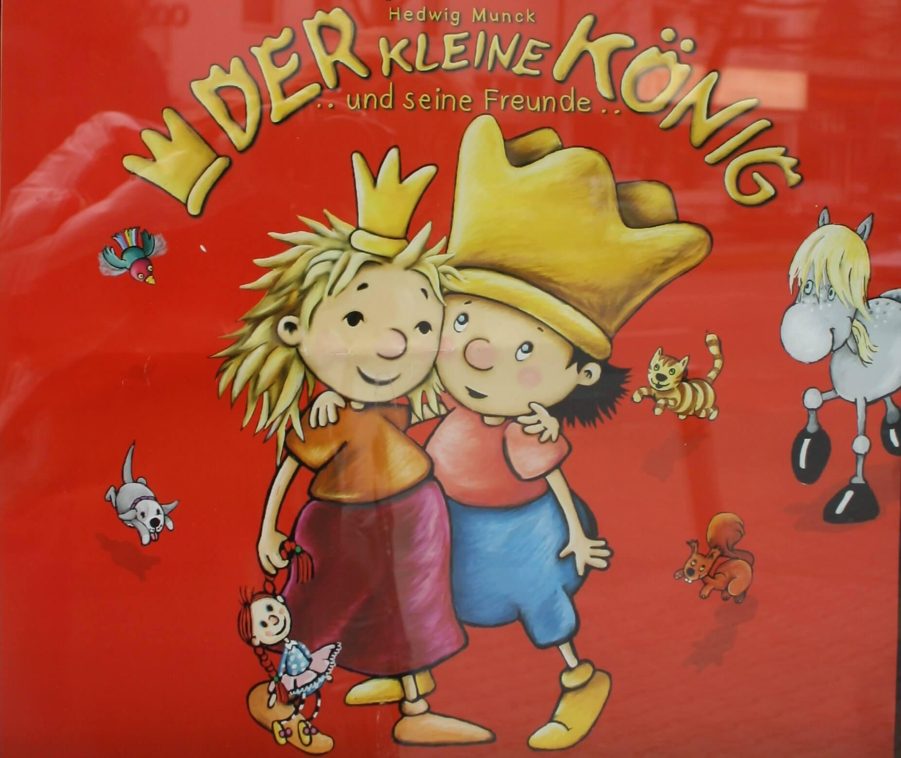 Kleiner König empfängt Kinder in Zehlendorf