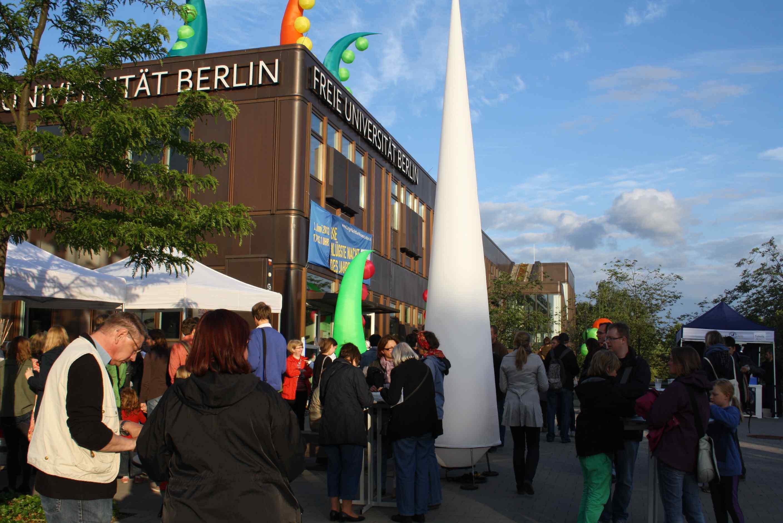 Klügste Nacht des Jahres: Wissenschaft zum Anfassen und Mitmachen auch in Steglitz-Zehlendorf