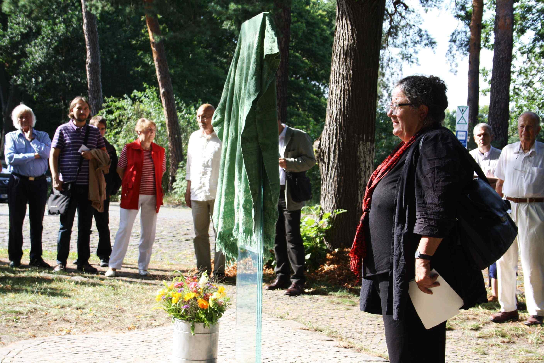 Muthesius' Retter gewürdigt: Stele für Julius Posener eingeweiht