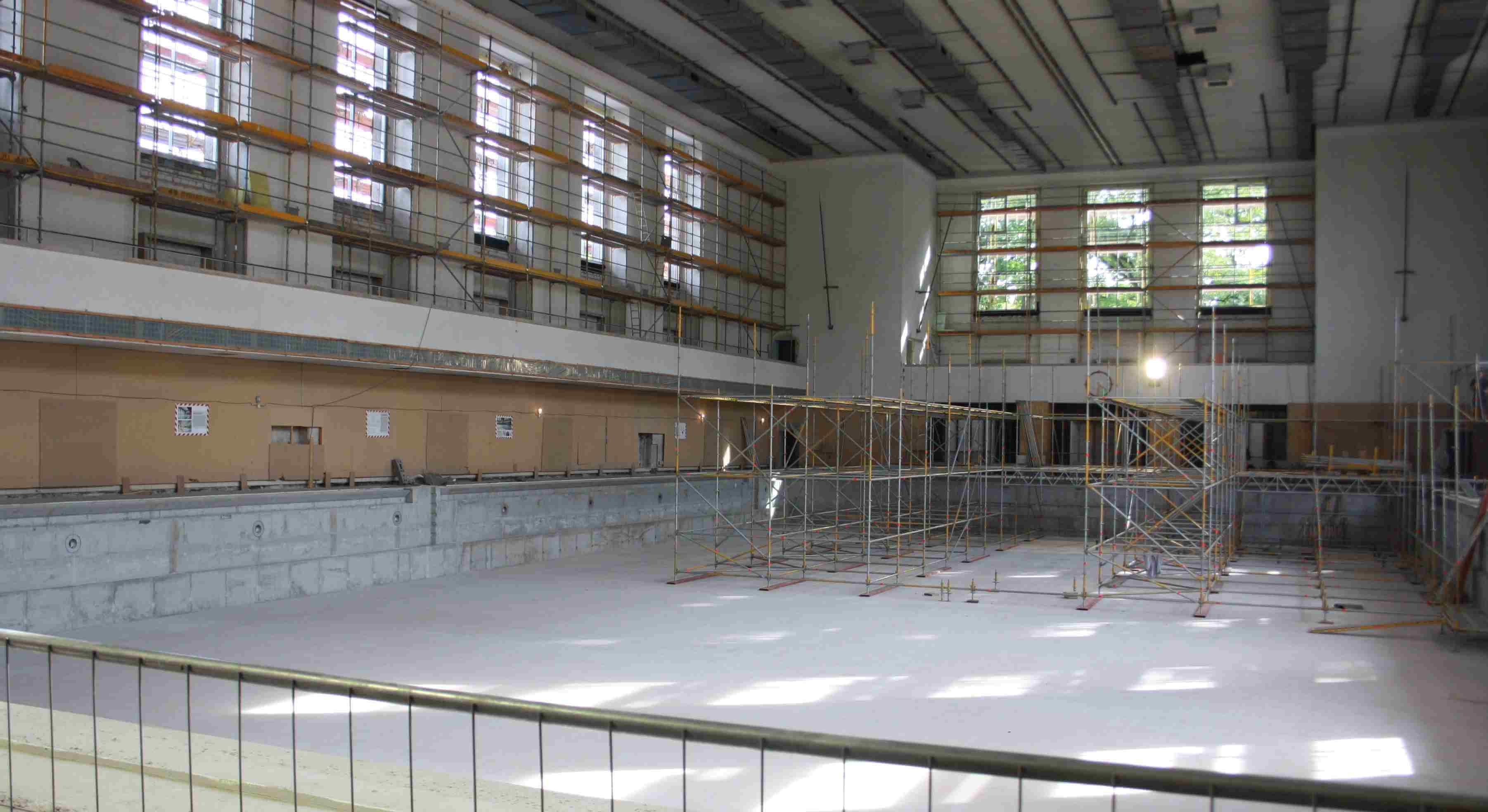 Ausweichquartier f r schwimm em schwimmbad an der for Finckensteinallee schwimmbad